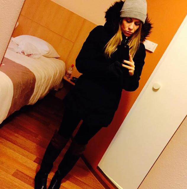 selfie in amsterdam hotel