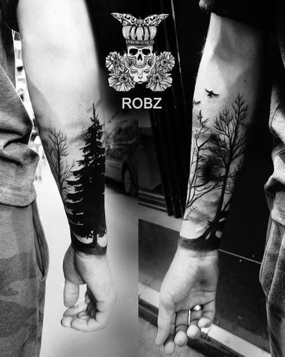 Outro lugar que você pode colocar uma floresta de tatuagem que está perto de seu antebraço, o que pode permitir-lhe mostrar a obra-prima que você tem.