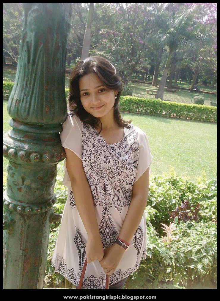 Pakistani Girls Pictures Gallery Pakistani Girls Pictures-3002