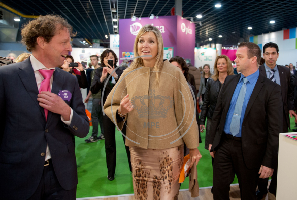 Queen Maxima of The Netherlands visits the stand Wijzer in Geldzaken during the national education fair in the Jaarbeurs in Utrecht,