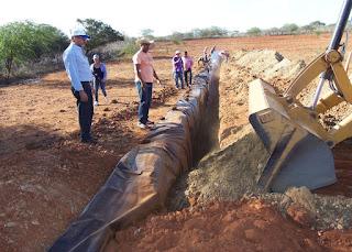 56 municípios do Cariri, Seridó, Curimataú e Sertão da PB vão ganhar poços tubulares e barragens subterrâneas