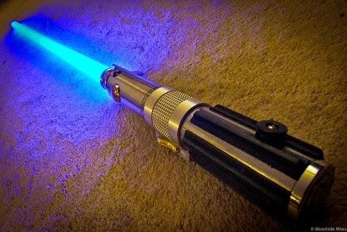 Ein Lichtschwert als Weihnachtsgeschenk