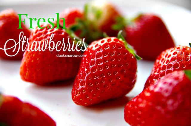 berries, fresh fruit, strawberries