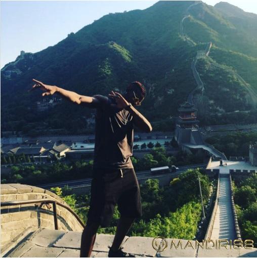 Paul Pogba Lakukan Dab di Tembok Besar China