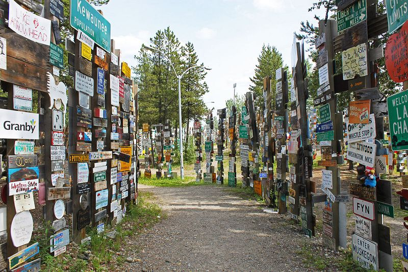 sign-post-forest-12