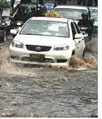 Tips Berkendara Saat Musim Hujan Atau Banjir