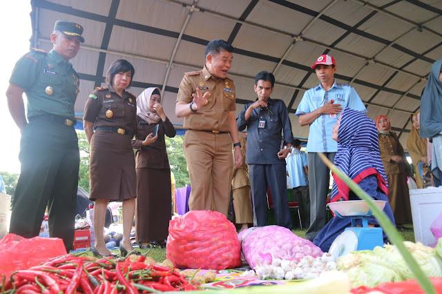 Jelang Ramadhan Pj Bupati Bone Resmikan Pasar Murah Terpadu