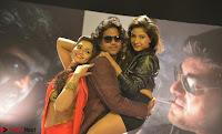 Romantic Stills from Tamil movie Jeyikkira Kuthira 006.jpg