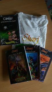 4 Bücher und ein T-Shirt