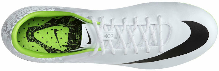 9aab1bb28 ... low cost the white reflective nike mercurial vapor ix boot features  black logos and similar to