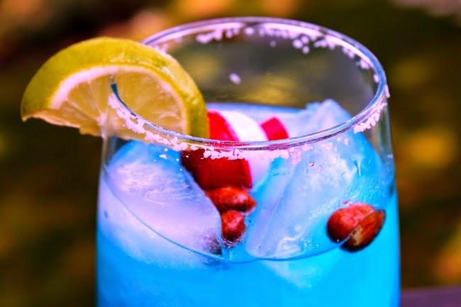 #margarita #bluemargarita #drinkrecipe #bluebobbinmargarita