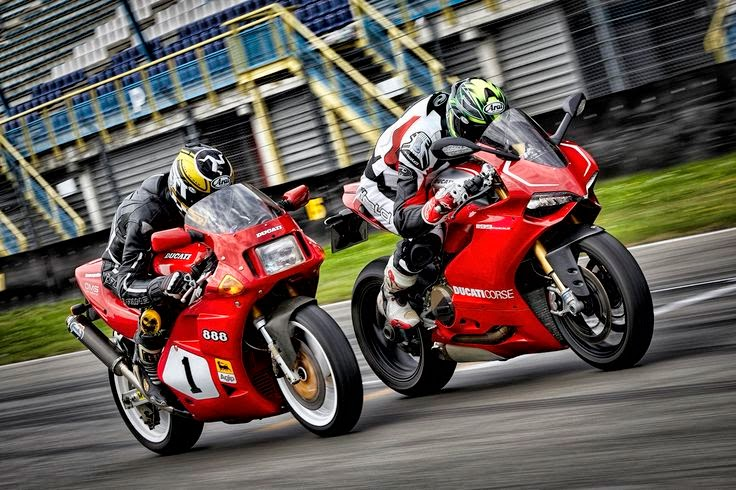 Ducati 888 vs. Panigale