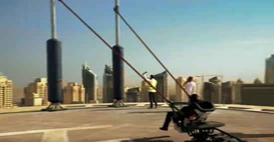 Acidente bizarro com estilingue-humano em Dubai - Verdade ou mentira?