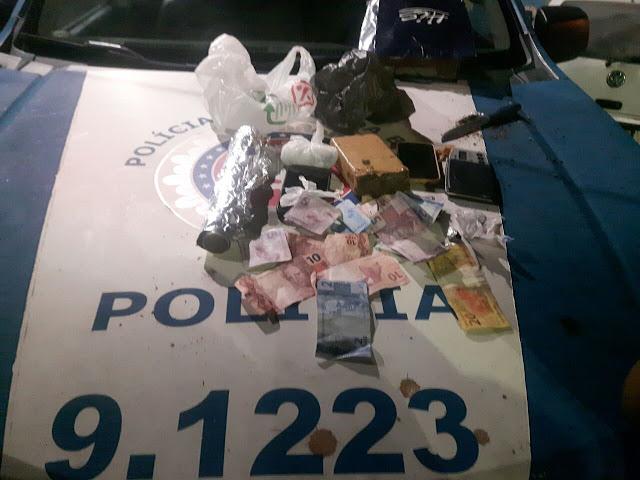 Operação da 12ªCIPM no Alto de Ondina prende casal com drogas