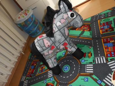 U Baby Jagi- Czarny koń
