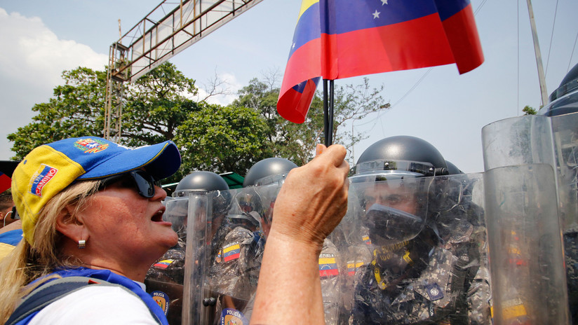 Colombia cierra parte de sus pasos fronterizos con Venezuela durante dos días