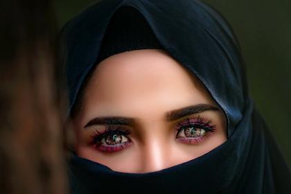 Kedudukan wanita sebelum Islam (Wanita dalam pandangan bangsa Yunani)