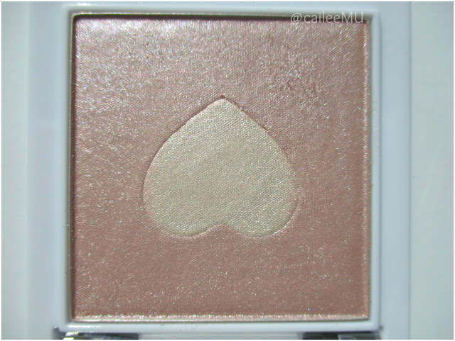 Wet n Wild Limited Edition Queen of My Heart Mega Glo Highlighting Powder in 'The Sweetest Bling'