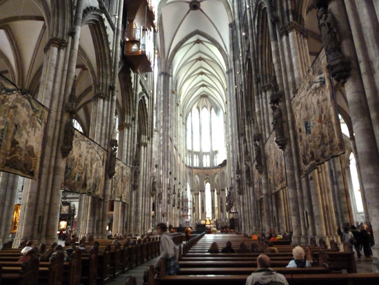 Inside-Cologne-Cathedral-.jpg