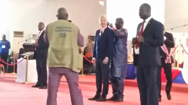 George Weah decorates Arsène Wenger with Liberia's Highest Honour