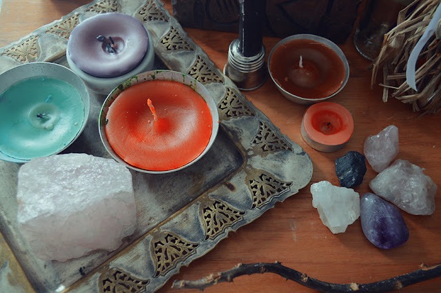 Witch DIY - Color Candles