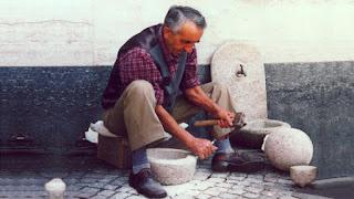 La storia di uno scalpellino (da un'antica leggenda cinese)