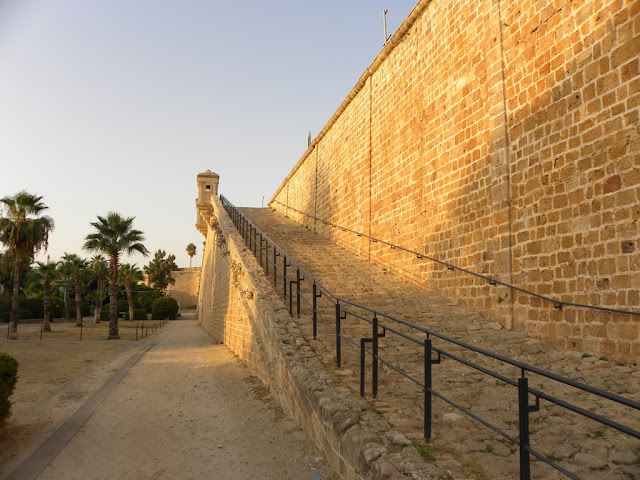 Acre wall El Jazzar