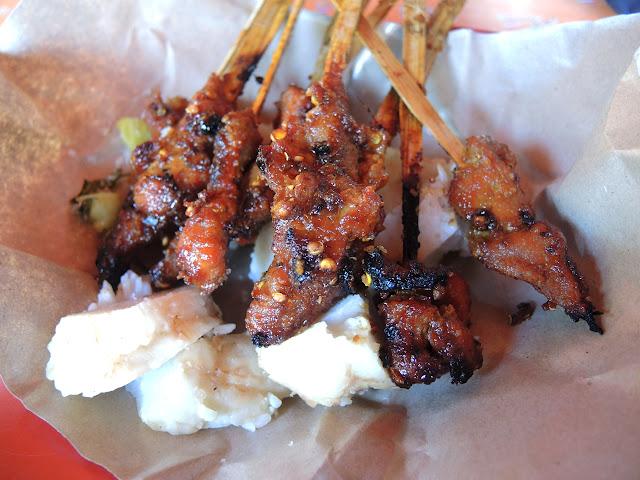sate babi legian, sate enak di bali, food in bali, balinese cuisine, pork satay, what to eat in bali