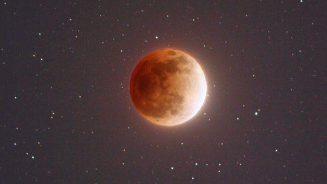 Como vai ser o raro eclipse de 'superlua azul de sangue' que acontecerá hoje