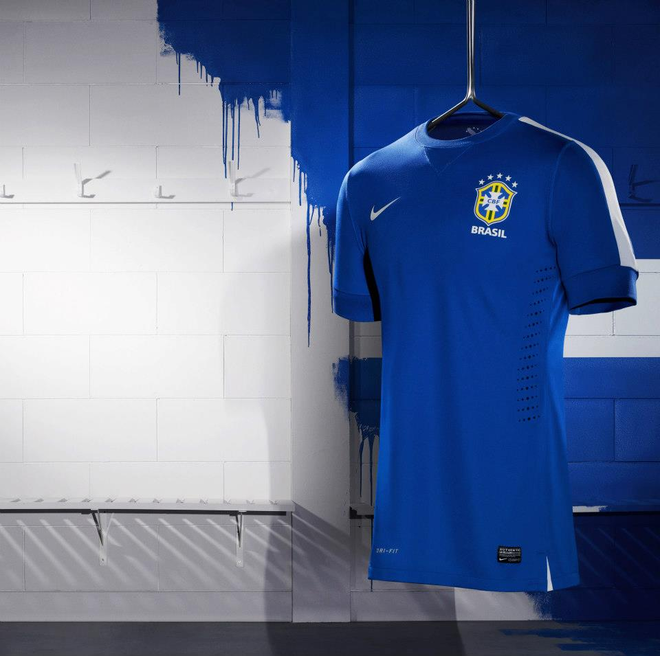 08c03bba93 Nova camisa azul da Seleção Brasileira 2013!