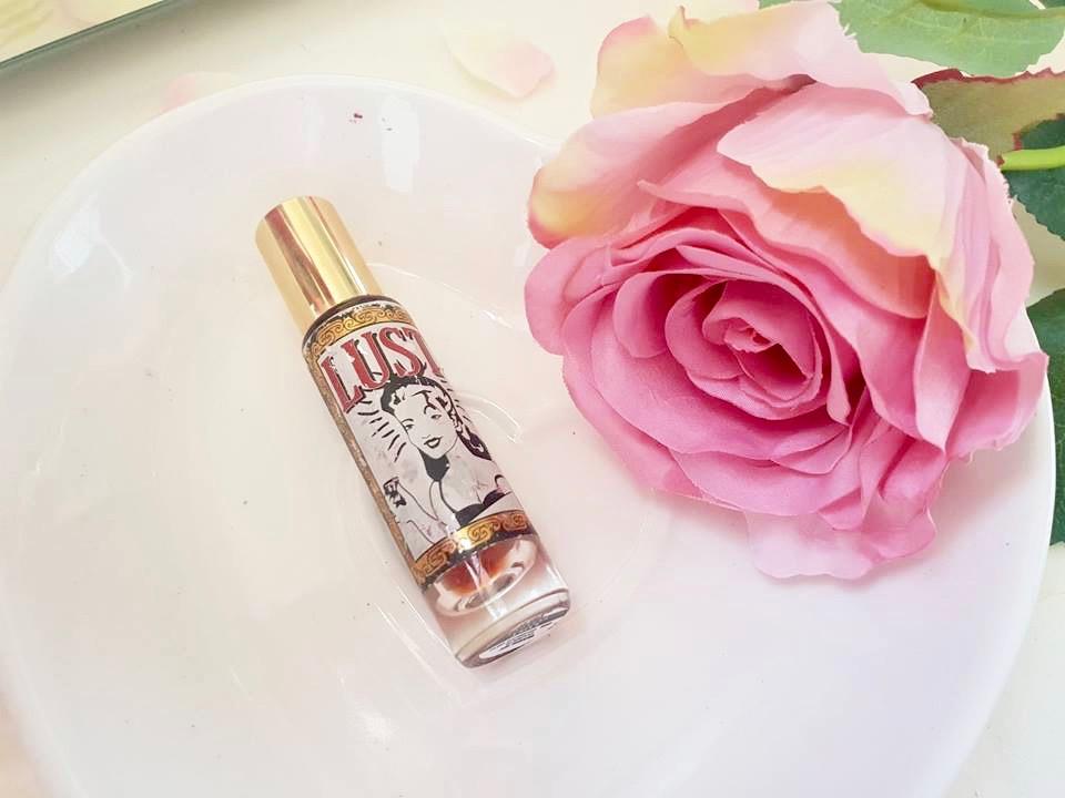 lush lust perfume review