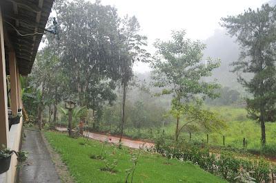 Corra da preguiça nos dias de chuva!