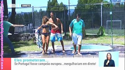 http://imgchili.net/show/88717/88717189_sonia_araujo_de_biquini_cumpr.jpg