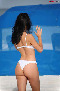 Lisa Opie  in sizzling bikini lovely  sizzling CELEBRITY.CO Exclusive Celebrity Pics 029