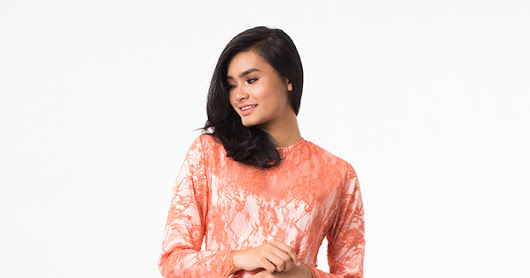 BAJU KURUNG MODEN WITH LACE TOP
