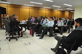 Estagiários da Área Cível do Núcleo de Prática Jurídica do curso de Direito do UNIFESO em visita ao Fórum de Teresópolis
