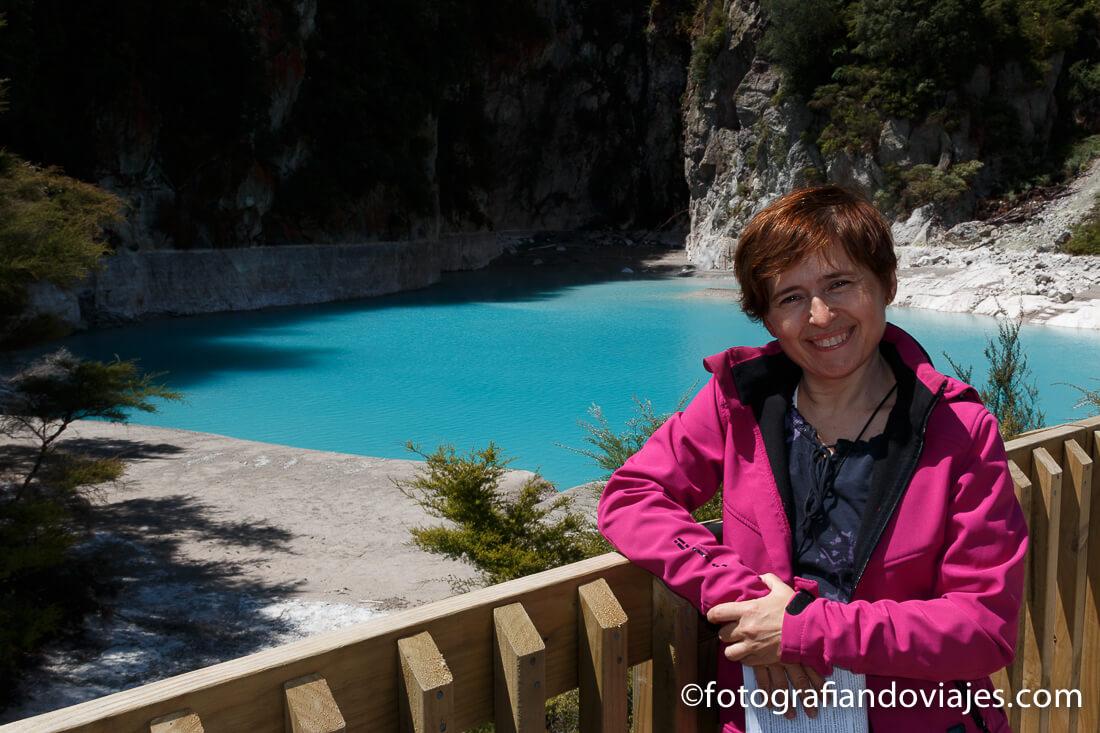 Inferno crater en el valle volcánico Waimangu, Rotorua