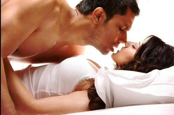 Porn Star Sunny Leone  Randeep Hooda Sexy Scenes In Jism2 -4249