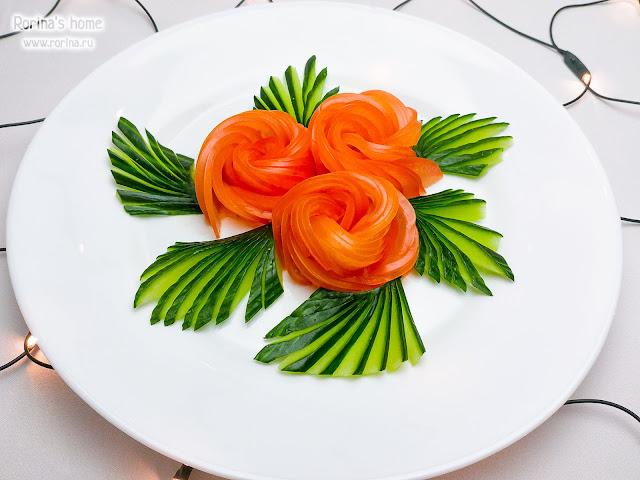 Роза из огурцов и помидоров пошагово