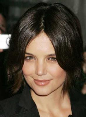 rambut pendek untuk wanita wajah bulat_70266458