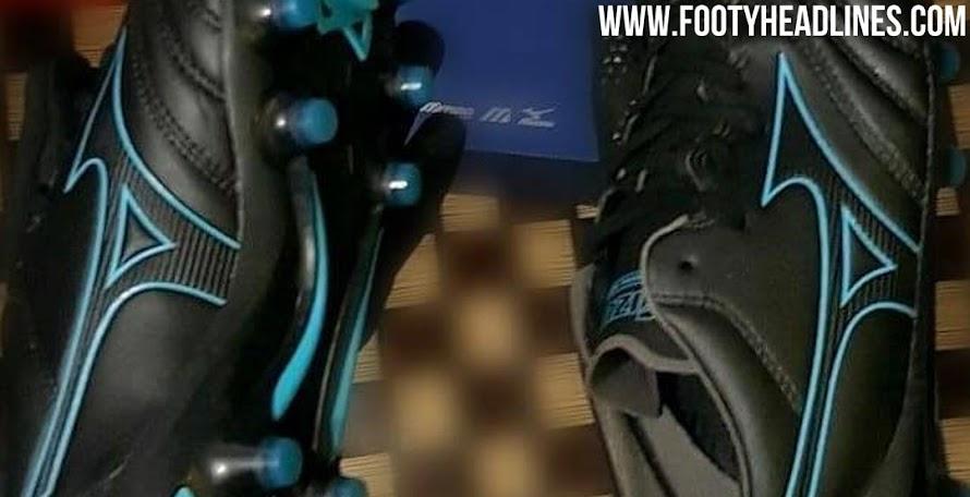 afe7e3223 Stunning Black   Turquoise Mizuno Morelia Neo 2 2019 Boots Leaked