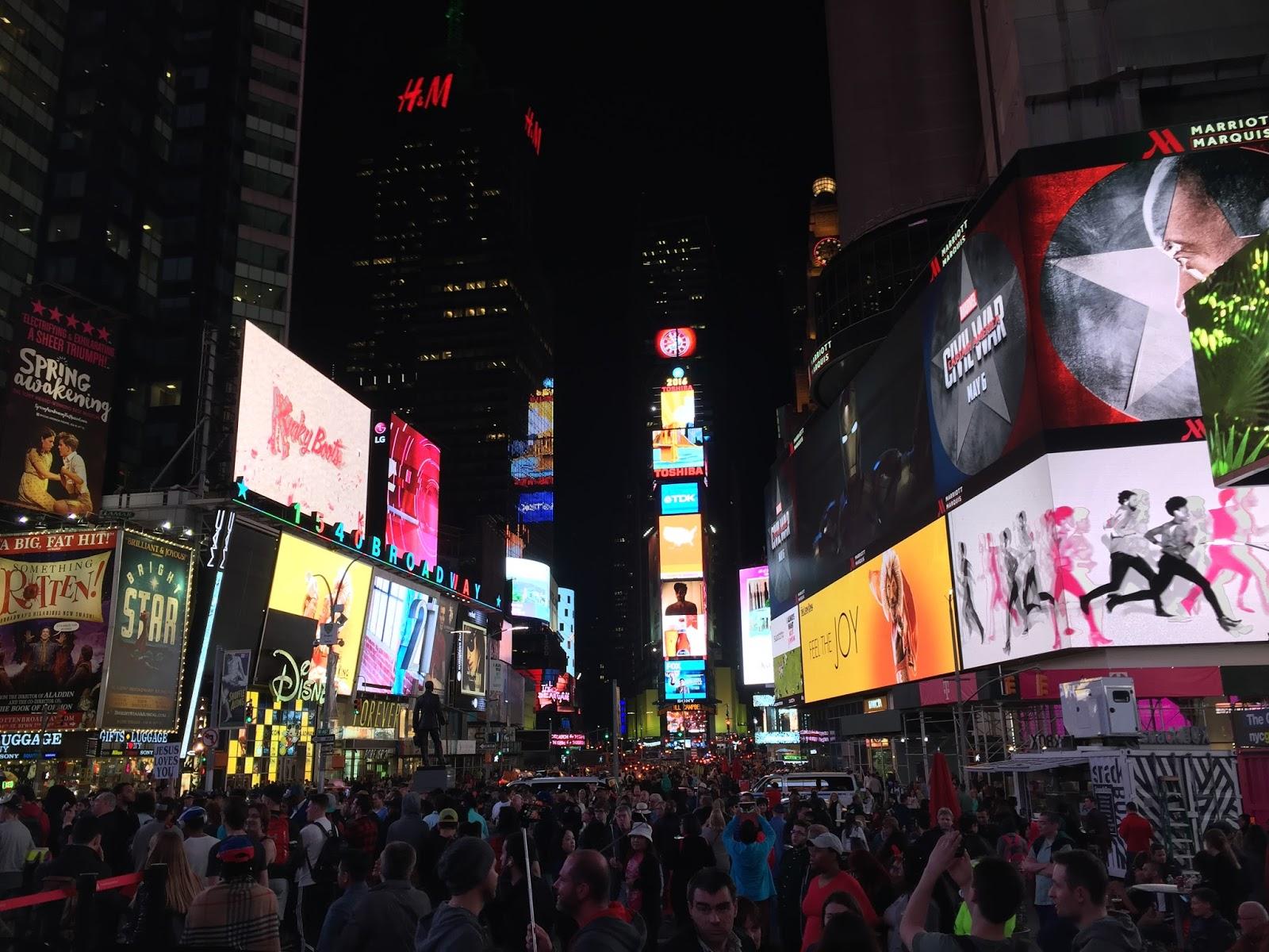 blog travel post blogger nyc new york city central park ceetiz cours survie tom met metropolitan museum art times square by night cherry blossom spring voyage holidays les gommettes de melo gomette