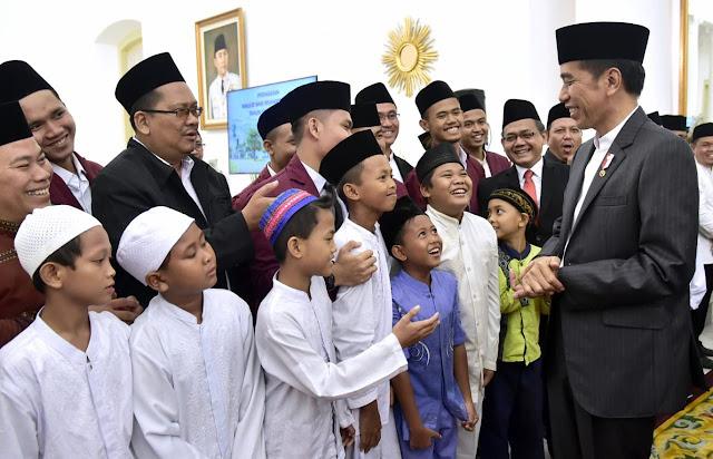 """Maulid Nabi, Jokowi Imbau Teladani Sifat Rasulullah: """"Amanah dan Selalu Menyampaikan Kebenaran"""""""