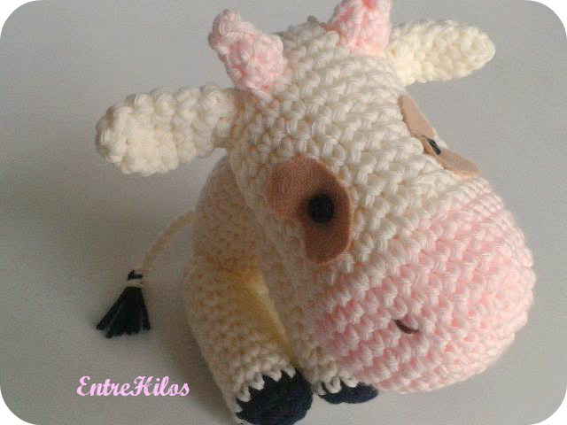 Cow Amigurumi - MooMoo Cow - Free Crochet Pattern   Craft Passion   480x640