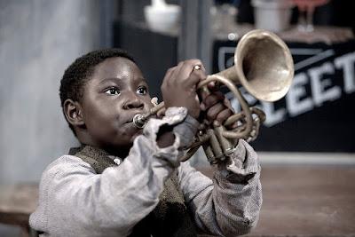Ο Λούις Άρμστρονγκ παιδί, όπως τον υποδύεται ο Anthony Coleman / Anthony Coleman as kid Louis Armstrong