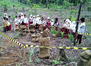 Chess-piece artifacts in Ciletuh Geopark, Sukabumi