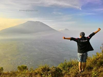 puncak gunung andong