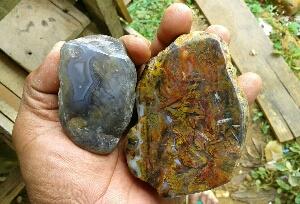 berburu bahan batu akik