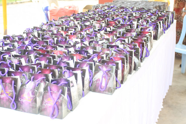 door gifts arranged to be given out