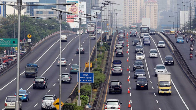 Cara Anies-Sandi menata transportasi Jakarta dalam 100 hari kerja